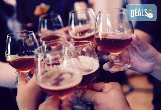Оптразнувайте Нова година по сръбска традиция в Пирот! Транспорт, богата вечеря с алкохол без лимит и жива музика в ресторант Диана! - Снимка 1