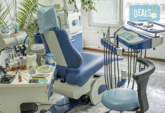 Красива усмивка! Почистване на зъбен камък с ултразвуков скалер в дентален кабинет д-р Чорбаджаков - жк Дружба - Снимка 6