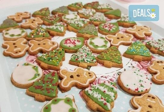 За Коледа! Един килограм коледни сладки: кукис с бял шоколад, декорирани коледни курабии, шарени, шоколадови и снежни топки от Приказка от сладкиши! - Снимка 3