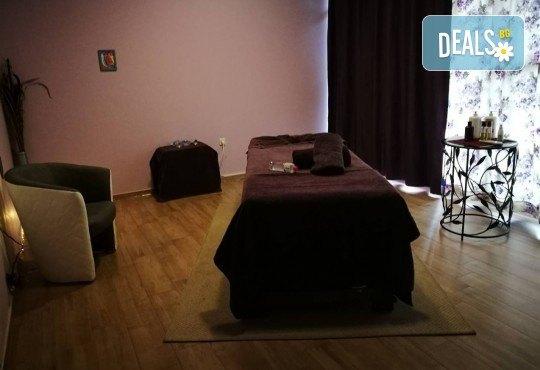 Сбогувайте се с болките с лечебен масаж на гръб, кръст, ръце и рефлекторен на стъпала в Масажно студио Адонай Елохай! - Снимка 4