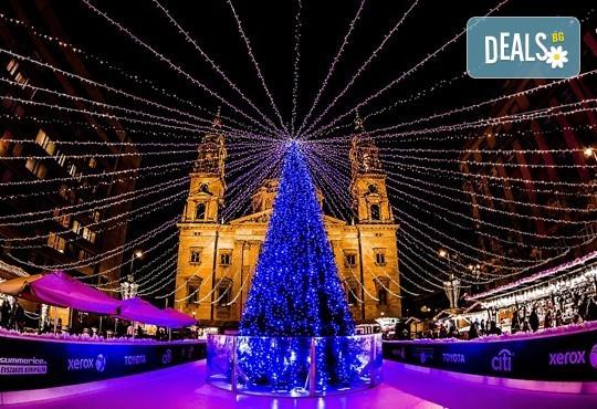 Приказна Коледа в Будапеща, Унгария! 3 нощувки със закуски в хотел 3*/4*, самолетен билет и летищни такси! - Снимка 3