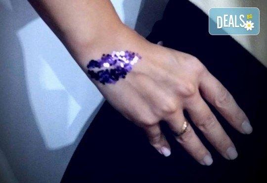 Почитатели сте на татуировките? Временна татуировка с аерограф с боя или блестяща татуировка с глитър в Соларно студио Какао! - Снимка 7