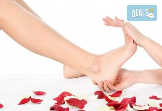 Релаксиращ масаж на цяло тяло с масло с аромат на шоколад и бонус: рефлексотерапия на глава, стъпала и длани във Фризьорски салон Moataz Style! - Снимка 3