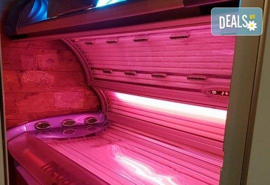 Еднократно посещение до 15 минути на турбо солариум с чисто нови лампи + 2бр. тестери соларна козметика на Soleo в соларно и козметично студио More Sun! - Снимка 7
