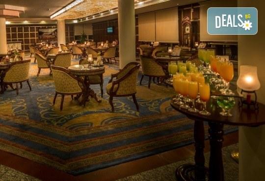 Last minute! Петзвездна Нова Година в Египет, Хургада, в хотел Emerald Resort and SPA, с Дрийм Холидейс! 7 нощувки на база All Inclusive, самолетен билет, трансфери - Снимка 5