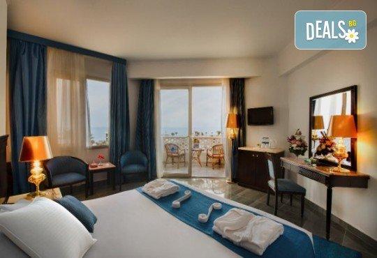 Last minute! Петзвездна Нова Година в Египет, Хургада, в хотел Emerald Resort and SPA, с Дрийм Холидейс! 7 нощувки на база All Inclusive, самолетен билет, трансфери - Снимка 8