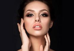 Влагане на 1 мл. дермален филър HIALURONICA за устни или бръчки чрез най-съвременния и безболезнен метод - инжектор пен, в NSB Beauty Center! - Снимка