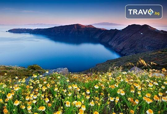 Есенна почивка на о. Санторини, Гърция! 4 нощувки със закуски в хотел 2*/3*, транспорт и посещение на Атина! - Снимка 7