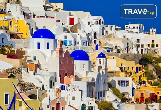 Есенна почивка на о. Санторини, Гърция! 4 нощувки със закуски в хотел 2*/3*, транспорт и посещение на Атина! - Снимка 3