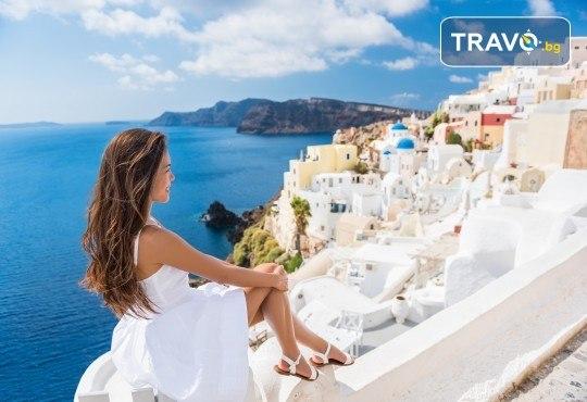 Есенна почивка на о. Санторини, Гърция! 4 нощувки със закуски в хотел 2*/3*, транспорт и посещение на Атина! - Снимка 1