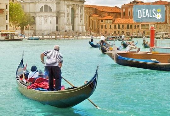 Романтика в Италия! Екскурзия до Венеция с 3 нощувки и закуски в хотел 3*, транспорт и възможност за посещение на Верона, Сирмионе и Падуа! - Снимка 5