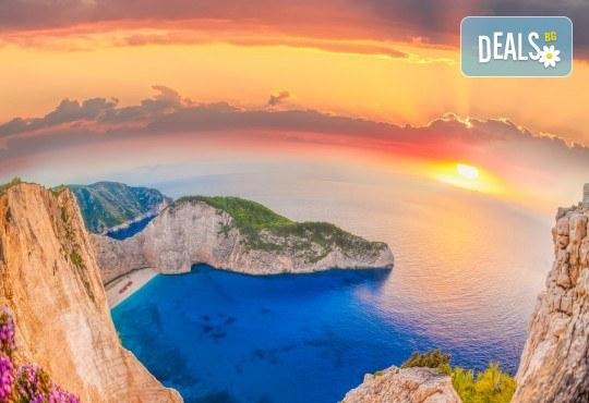 Мини почивка на Перлата на Йонийско море - остров Закинтос! 4 нощувки със закуски в хотел 3*, транспорт и водач! - Снимка 2