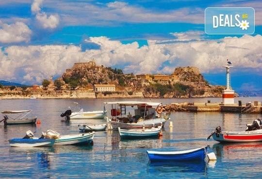 Почивка на прелестния остров Корфу, октомври, с България Травел! 4 нощувки на база All Inclusive, транспорт и посещение на двореца Ахилион! - Снимка 7