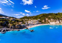 Мини почивка на остров Лефкада с България Травел! 3 нощувки със закуски в хотел 3*, транспорт и водач - Снимка