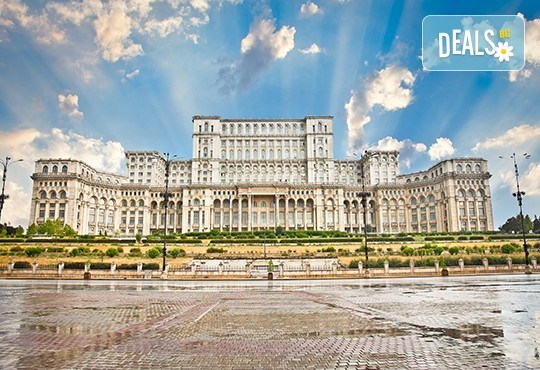 Уикенд в Румъния - страната на граф Дракула! 2 нощувки със закуски в хотел 2*/3* в Синая, транспорт, посещение на замъка Пелеш и Музея на селото! - Снимка 1