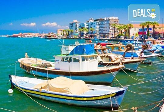 Приключение в Егейска Турция през май! 5 нощувки със закуски в Айвалък и Фетие, транспорт, посещение на Бергама и Троя + бонус: посещение на местността Стъпката на дявола! - Снимка 2