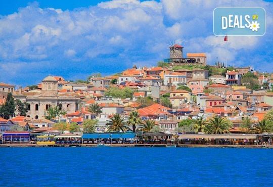 Приключение в Егейска Турция през май! 5 нощувки със закуски в Айвалък и Фетие, транспорт, посещение на Бергама и Троя + бонус: посещение на местността Стъпката на дявола! - Снимка 3