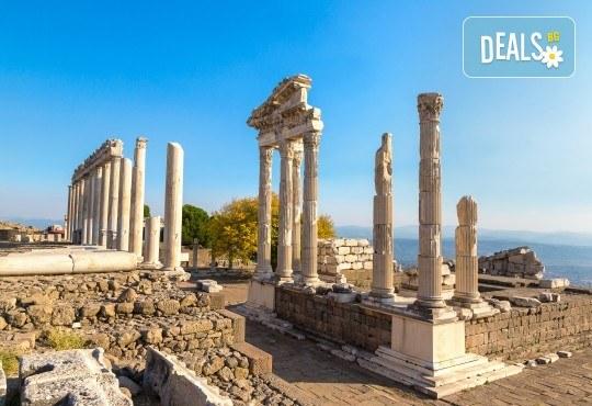 Приключение в Егейска Турция през май! 5 нощувки със закуски в Айвалък и Фетие, транспорт, посещение на Бергама и Троя + бонус: посещение на местността Стъпката на дявола! - Снимка 6