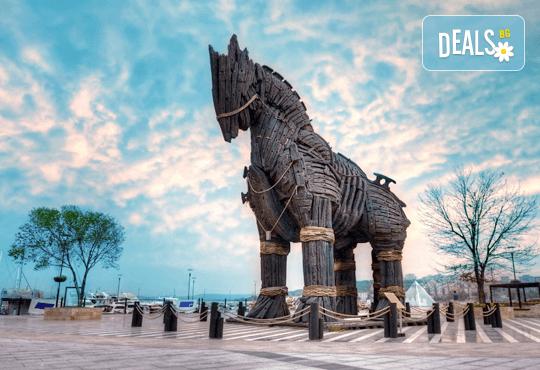 Приключение в Егейска Турция през май! 5 нощувки със закуски в Айвалък и Фетие, транспорт, посещение на Бергама и Троя + бонус: посещение на местността Стъпката на дявола! - Снимка 4