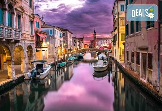 Самолетна екскурзия до Венеция със Z Tour на дата по избор! 3 нощувки със закуски в хотел 2*, билет, летищни такси и трансфери! - Снимка 3