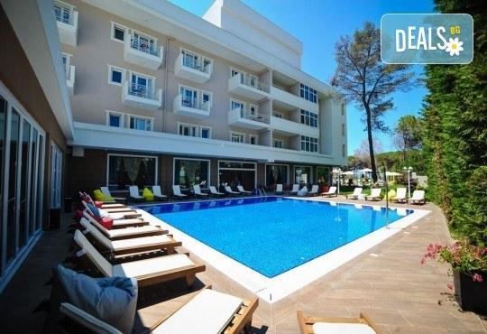 Почивка в перлата на Албания - Дуръс през септември! 5 нощувки със закуски и вечери в Sandy beach resort 4*, транспорт и водач! - Снимка 6