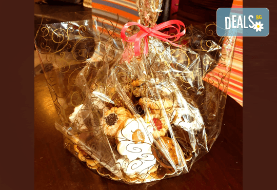 1 кг. гръцки сладки! Седем различни вкуса сладки с белгийски шоколад, макадамия и кокос, майсторска изработка от Сладкарница Джорджо Джани! - Снимка 2