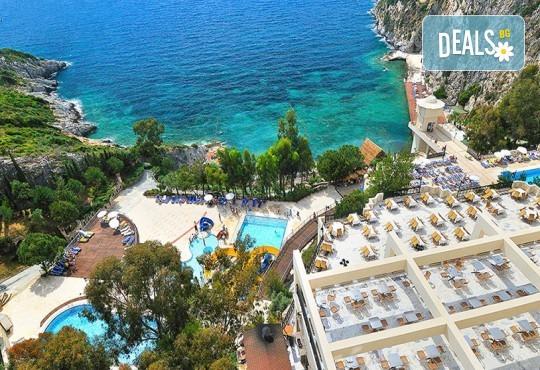 Луксозна лятна почивка в Hotel Adakule 5* в Кушадасъ, Турция! 7 нощувки на база Ultra All Inclusive и транспорт! - Снимка 1