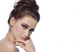 Курс за поставяне на перманентен грим в 3 модула: вежди, устни и очна линия в NSB Beauty Center! - Снимка