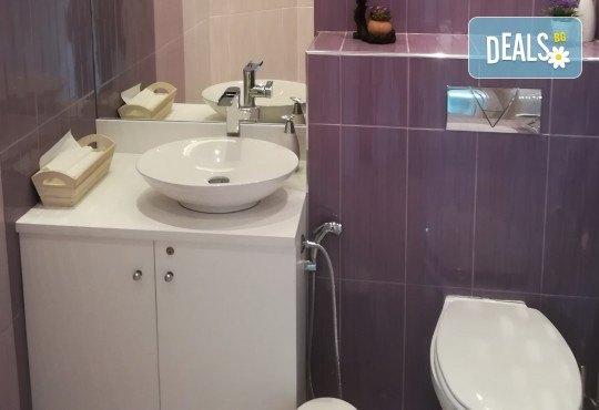 Обстоен дентален преглед, почистване на зъбен камък и зъбна плака с ултразвук и полиране с Air Flow в Deckoff Dental - Снимка 10