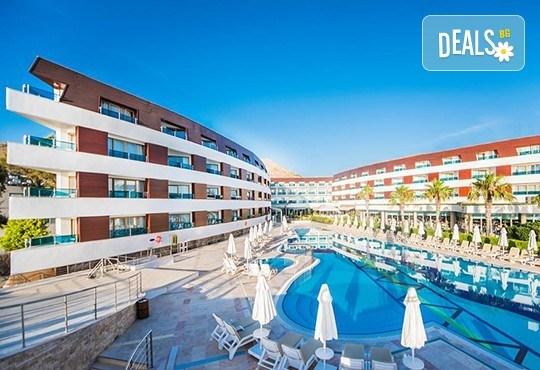 Ранни записвания за почивка през май в Grand Park Bodrum 5*, Бодрум, Турция! 7 нощувки на база Ultra All Inclusive и екскурзоводско обслужване! - Снимка 2