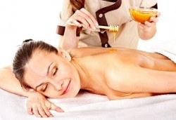 Мощен имуностимулант! Лечебен масаж на гръб с пчелен мед + йонна детоксикация на стъпала, терапия с бамбуков колан и зонотерапия на стъпала с течен мед и прополис от Senses Massage & Recreation! - Снимка