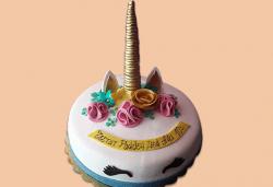 С доставка през април, май и юни! Торти за момичета с 3D дизайн с еднорог или друг приказен герой от сладкарница Джорджо Джани - Снимка