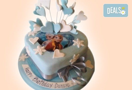С доставка през април, май и юни! Елза и Анна: тематична 3D торта Замръзналото кралство от 12 до 37 парчетата - кръгла, голяма правоъгълна или триизмерна кукла Елза от Сладкарница Джорджо Джани - Снимка 5