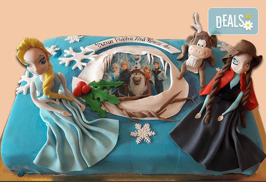 С доставка през април, май и юни! Елза и Анна: тематична 3D торта Замръзналото кралство от 12 до 37 парчетата - кръгла, голяма правоъгълна или триизмерна кукла Елза от Сладкарница Джорджо Джани - Снимка 3