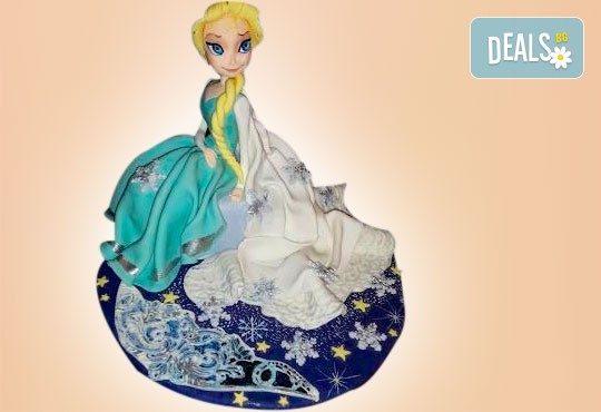 С доставка през април, май и юни! Елза и Анна: тематична 3D торта Замръзналото кралство от 12 до 37 парчетата - кръгла, голяма правоъгълна или триизмерна кукла Елза от Сладкарница Джорджо Джани - Снимка 8