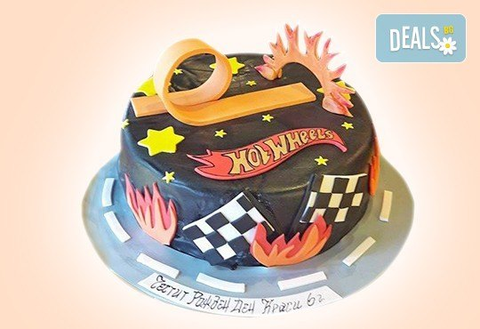С доставка през април, май и юни! За момчета: детска 3D торта за момчета с коли и герои от филмчета с ръчно моделирана декорация от Сладкарница Джорджо Джани - Снимка 1