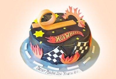 С доставка през март и април! За момчета: детска 3D торта за момчета с коли и герои от филмчета с ръчно моделирана декорация от Сладкарница Джорджо Джани - Снимка