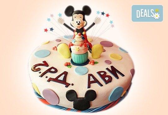 С доставка през април, май и юни! За момчета: детска 3D торта за момчета с коли и герои от филмчета с ръчно моделирана декорация от Сладкарница Джорджо Джани - Снимка 62