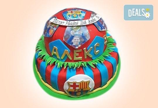 С доставка през април, май и юни! За момчета: детска 3D торта за момчета с коли и герои от филмчета с ръчно моделирана декорация от Сладкарница Джорджо Джани - Снимка 56