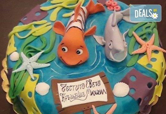 С доставка през април, май и юни! За момчета: детска 3D торта за момчета с коли и герои от филмчета с ръчно моделирана декорация от Сладкарница Джорджо Джани - Снимка 33