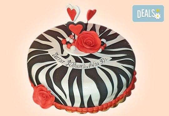 За кумовете! Празнична торта Честито кумство с пъстри цветя, дизайн сърце, романтични рози, влюбени гълъби или др. от Сладкарница Джорджо Джани - Снимка 17