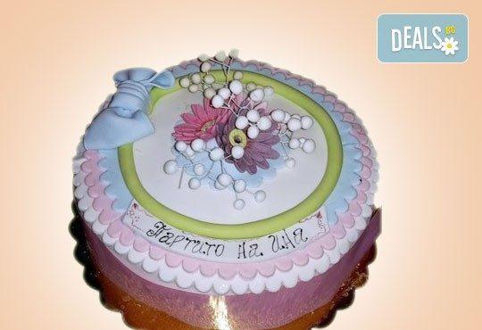 За кумовете! Празнична торта Честито кумство с пъстри цветя, дизайн сърце, романтични рози, влюбени гълъби или др. от Сладкарница Джорджо Джани - Снимка 13