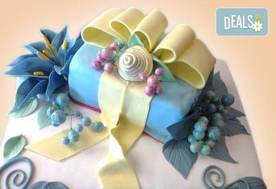За кумовете! Празнична торта Честито кумство с пъстри цветя, дизайн сърце, романтични рози, влюбени гълъби или др. от Сладкарница Джорджо Джани - Снимка 15