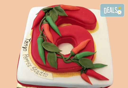 Голяма 3D Торта на традициите за почитателите на българския фолклор, 25 парчета от Сладкарница Джорджо Джани! - Снимка 8