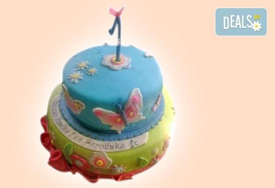 С доставка през април, май и юни! Детска АРТ торта с фигурална ръчно изработена декорация с любими на децата герои от Сладкарница Джорджо Джани - Снимка 46