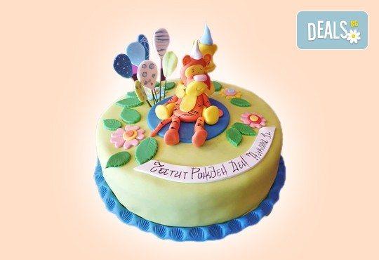 С доставка през април, май и юни! Детска АРТ торта с фигурална ръчно изработена декорация с любими на децата герои от Сладкарница Джорджо Джани - Снимка 25