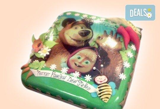 С доставка през април, май и юни! Детска АРТ торта с фигурална ръчно изработена декорация с любими на децата герои от Сладкарница Джорджо Джани - Снимка 82