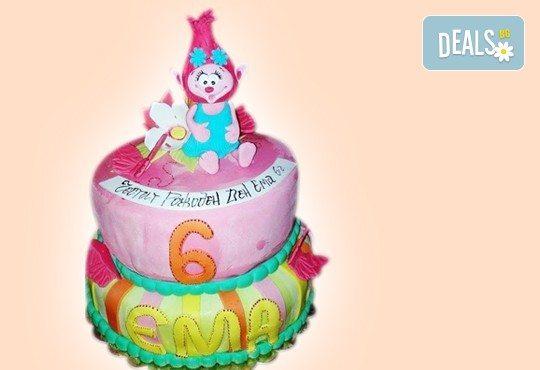 С доставка през април, май и юни! Детска АРТ торта с фигурална ръчно изработена декорация с любими на децата герои от Сладкарница Джорджо Джани - Снимка 69