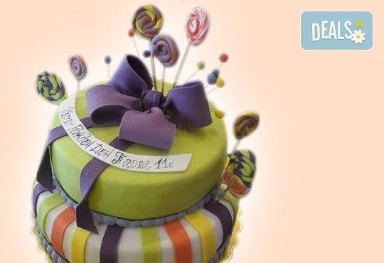 С доставка през април, май и юни! Детска АРТ торта с фигурална ръчно изработена декорация с любими на децата герои от Сладкарница Джорджо Джани - Снимка 70