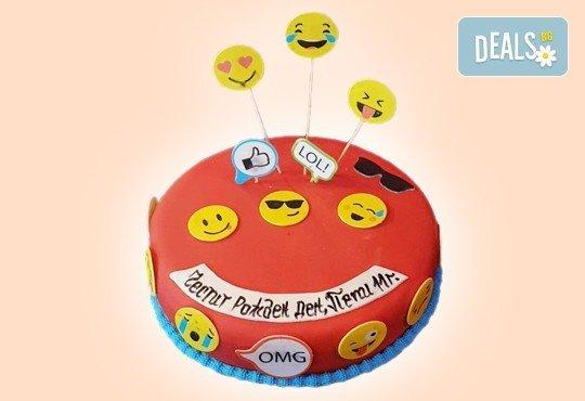 С доставка през април, май и юни! Детска АРТ торта с фигурална ръчно изработена декорация с любими на децата герои от Сладкарница Джорджо Джани - Снимка 19